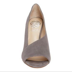 Vince Camuto Rallien Peep Toe Pump Size 9.5 Grey